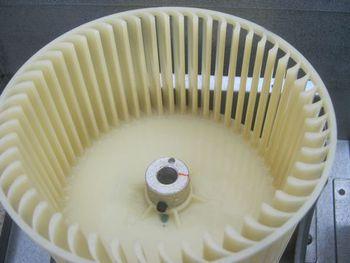 市川市内 歯科クリニック設置の天カセ型エアコン洗浄