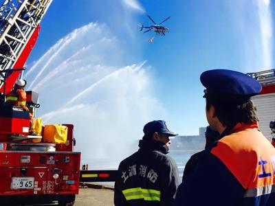土浦市の消防出初式。