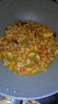 魚粉否定派なので・・・ニボ牛らー麺やってます!
