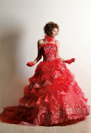 秋冬の赤ドレス