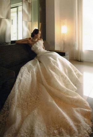 優雅なドレス登場