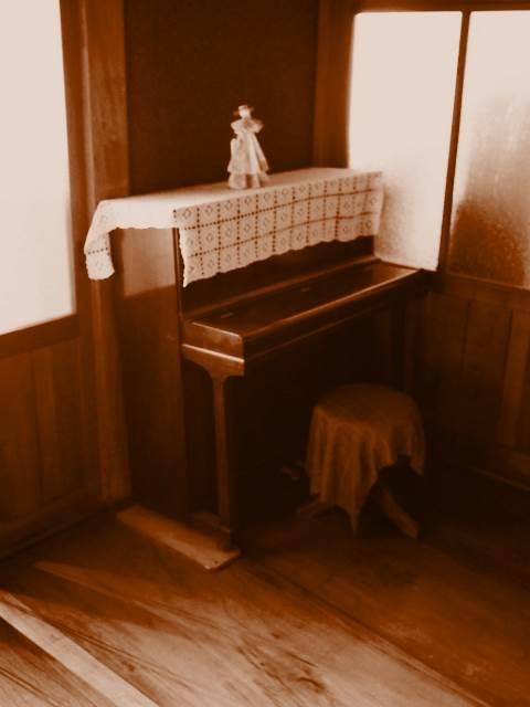 昭和モダン建築に、ナギー、こんなのはじめて