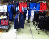2014年度岩瀬西・東中学校の制服採寸会はじまりました。 2013/11/29 18:59:28