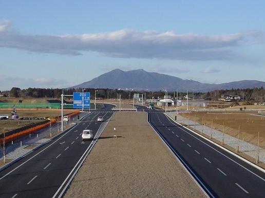 跨道橋から筑波山を望む