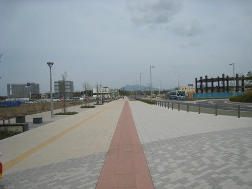 駅前ストリート(2007年4月21日撮影)