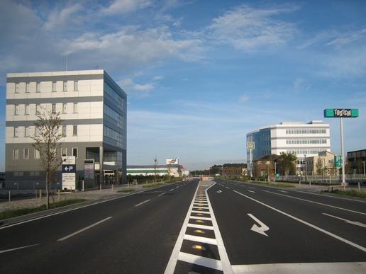 【今昔07】研究学園駅入口交差点より西を望む!(2007年から変わってないように見えて・・・)