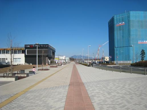 駅前ストリート(2008年1月27日撮影)