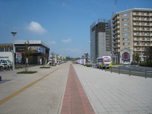 駅前ストリート(2008年9月14日撮影)