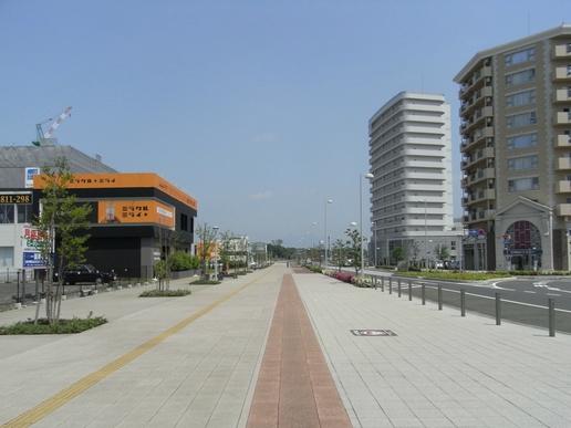 駅前ストリート(2009年5月9日撮影)