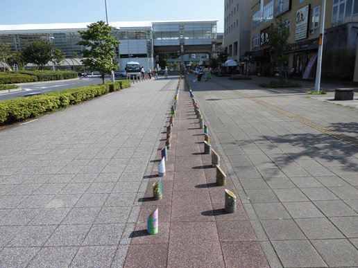 竹灯籠が並ぶ