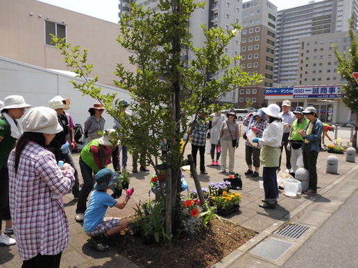 園芸ソムリエを招き花とみどりで彩る街並みづくりセミナー開催!参加者募集