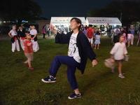 苅間盆踊り大会が開催され、五十嵐つくば市長も輪に入って踊りました!