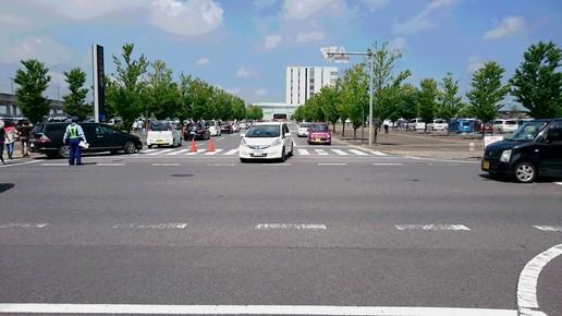 市役所への大渋滞