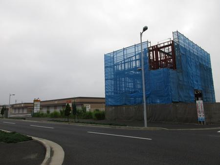 学園の森TOWN横に3階建テナントビルができる!そして、さらに・・・