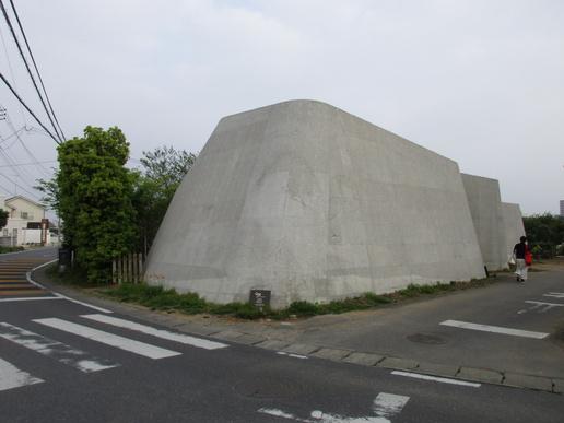 つくばの真ん中に奇妙な建物のおしゃれなお店「コックス」(つくば都市交通SのHPより)