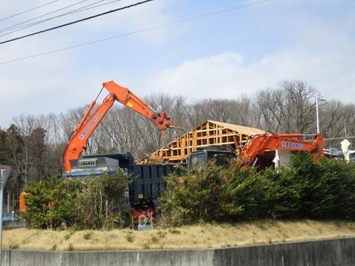 研究学園では新しい建物が続々できる一方で・・・解体される建物も!