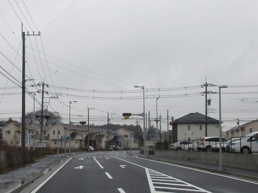 ミートコそばの葛城西線交差点に右折ラインと信号機がついた!