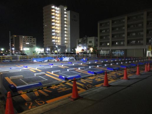 研究学園駅前飲食店テナントビル「MYU・MYU」前にフラップ式コインパーキング完成!