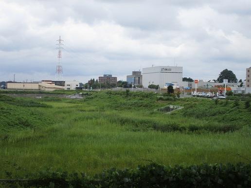 【今昔12】TX高架下から調整池方面を覗いてみた!境松西平塚線沿いもたくさんのお店ができた!