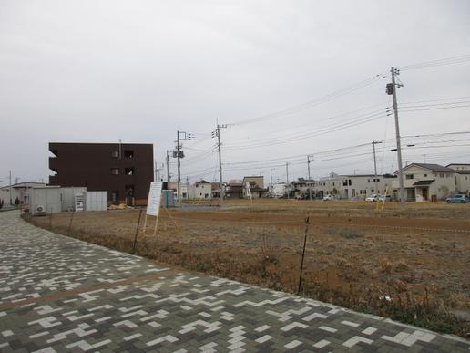 葉山珈琲ができる建物の横にまた「店舗付共同住宅」ができる!