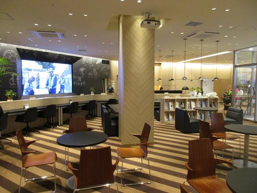 つくば駅前の商業ビル「BiVi」に市民憩いのスペース「交流サロン」があります!