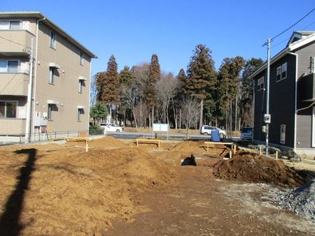 スーツのアオキ近くでテナントビル建設工事が着工した!