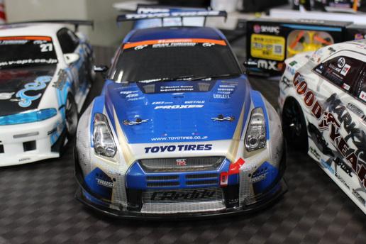 谷田部アリーナでラジコンカーのドラフト走行の大会が開催されていた!