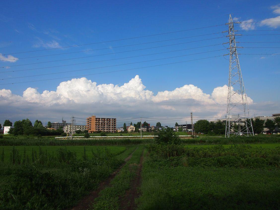 研究学園 台風一過できれいな雲が現れました!