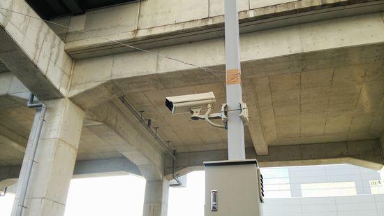 研究学園駅前に防犯カメラが出来てますね!