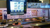 研究学園 元旦のお昼ははま寿司で!
