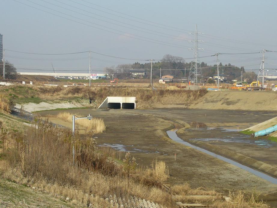 研究学園(つくば新都心) くら寿司裏の土地開発状況