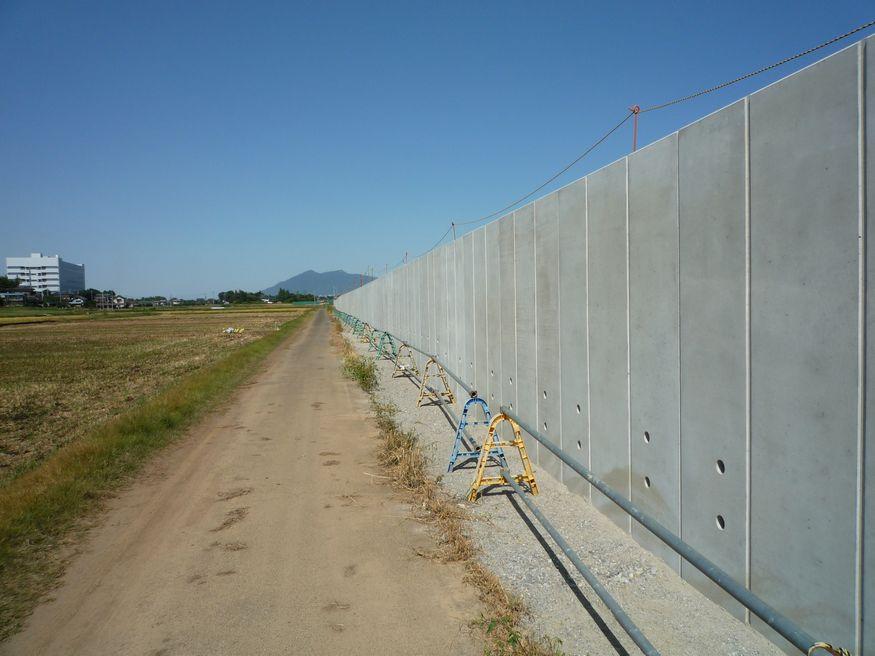 研究学園(つくば新都心) 開発地域と非開発地域の境界線