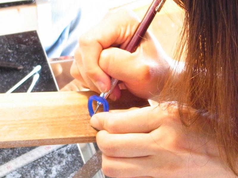 しっかり組み合う、腕組みペアリング★自分たちでつくる手作り結婚指輪