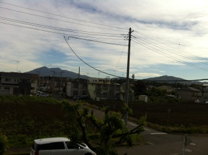 筑波山(左)