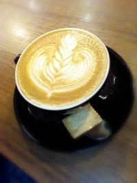守谷駅の「コーヒーファクトリー」さんのラテアート♪