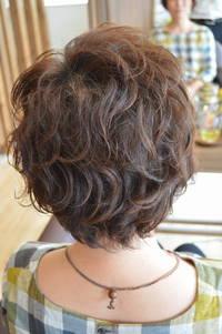 ボリュームが出にくい髪の毛もパーマでボリュームも動きだしましょう