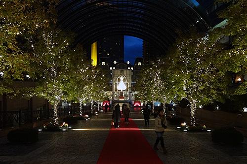今年も世界最大規模の「バカラ・シャンデリア」が点灯!!