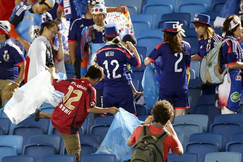 W杯「日本サポーターのゴミ拾い」に対する中国メディアの反応から