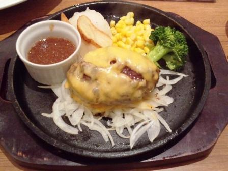 ミートシノワで肉汁たっぷりのハンバーグを食べる!