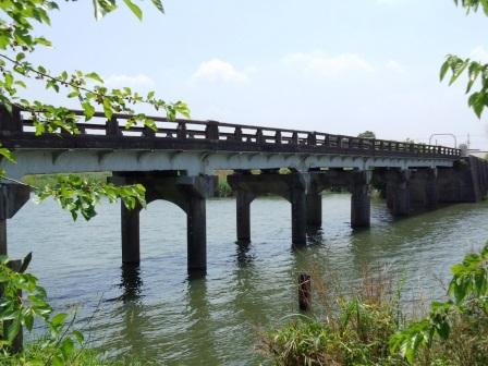 福雷橋が補修されて車が通行可能になっていました!