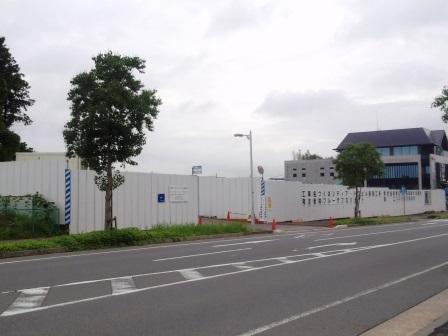 学園南にオフィスビルとマンションが建設中!