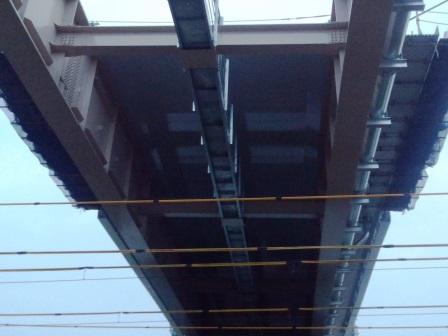 圏央道TXの跨線橋が4時間かけて動いていた!