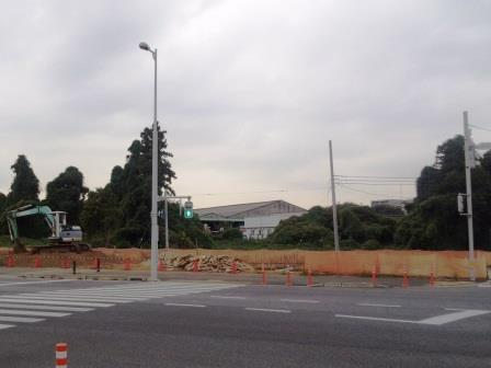 新都市中央通り沿いの坂東太郎西側にドッグサロン建設中!