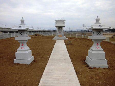 万博記念公園駅近くの謎の丘は伐採されて神社が建てられていた!