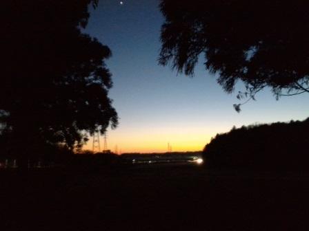 科学万博記念公園から見た夕暮れ!