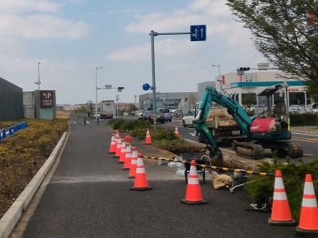 イーアスつくばが造ろうとしている立体駐車場の乗入口は交差点に近すぎる!