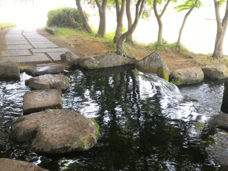 松見公園の滝がある風景!
