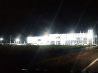境松西平塚線沿いのBMWの明かりが明るすぎる!
