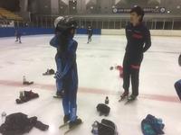 (S)本連盟所属のスピードスケート3選手が氷上練習を指導しました