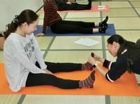 ワークショップご報告 冷えとり健康体操で足元から温めよう(2)